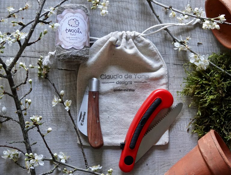 Pocket Pruning Kit - Handy Knife, Saw & Twine, Great Everyday Tools